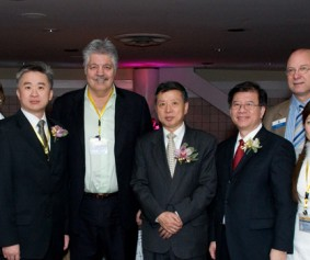 President Elsa Wong with Directors and VIPs